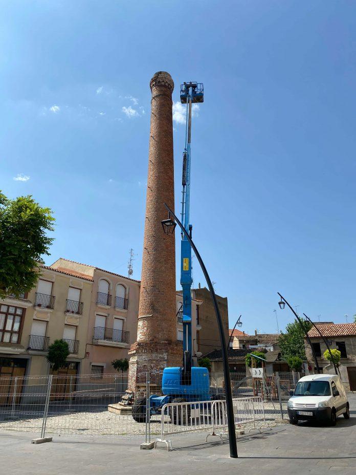 Trabajos de reparación provisionales chimenea de Torres