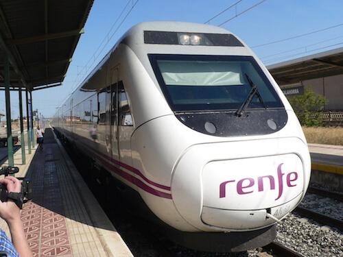 tren en la estación de Calahorra
