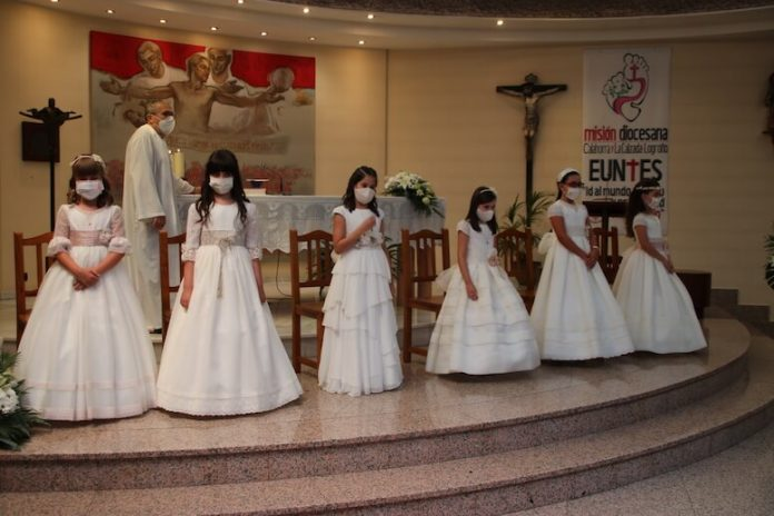 Primeras Comuniones parroquia Santísima Trinidad