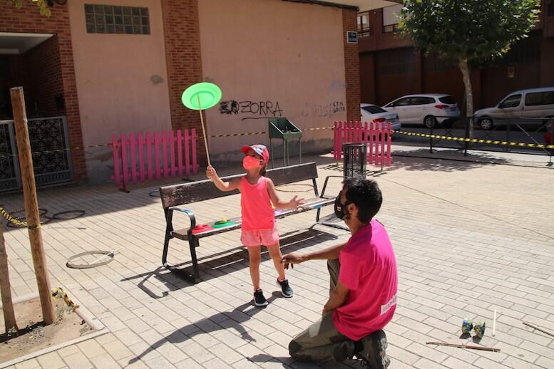 Juegos en plaza Juan Apillani