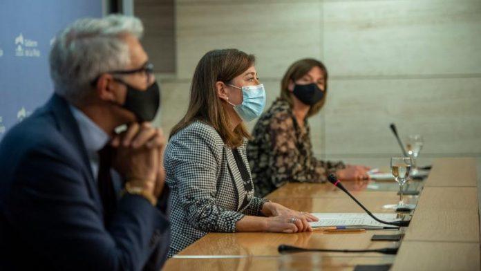 Pilar Vargas, Emilio Izquierdo y Sara Alba