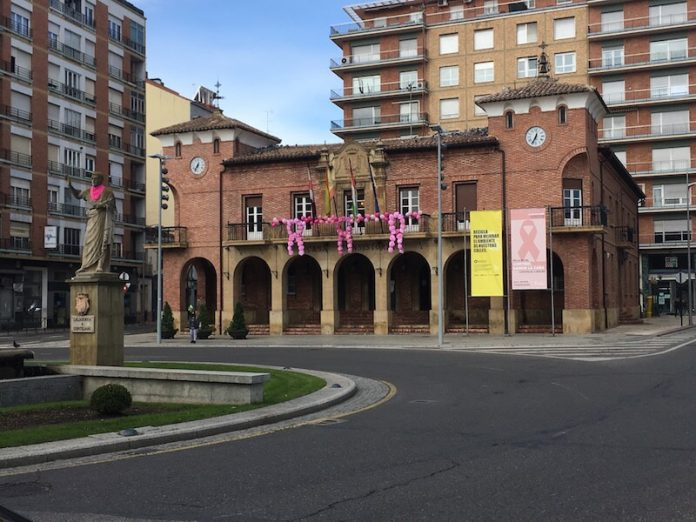 fachada Ayuntamiento Día Internacional del Cáncer de Mama