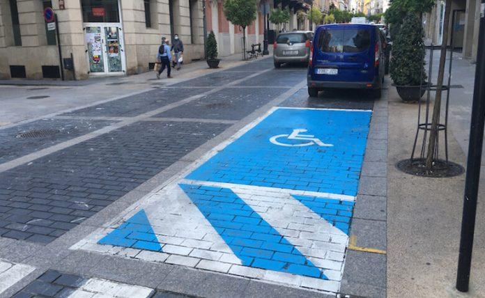plaza aparcamiento minusválidos copia