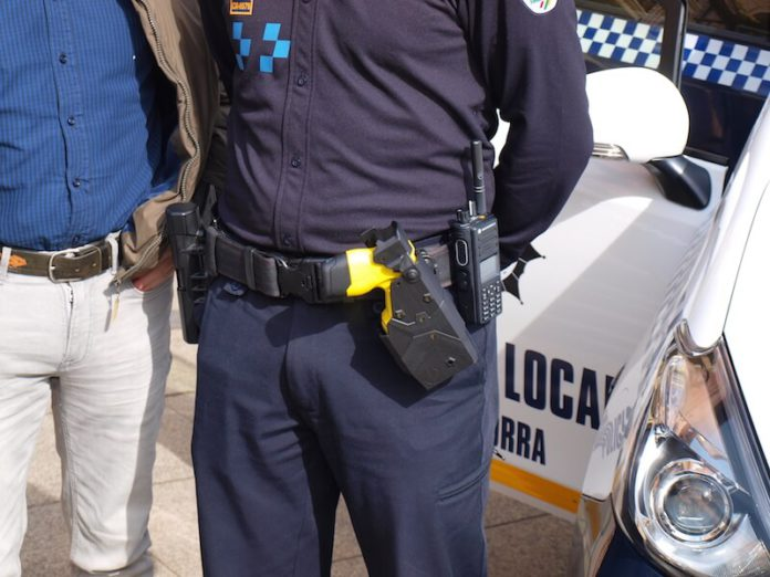 pistola Táser Policía Local 2 copia