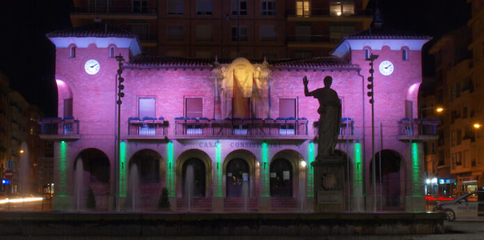 Ayuntamiento iluminado nocturna copia