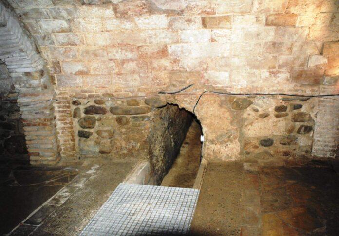 cloaca romana entrada