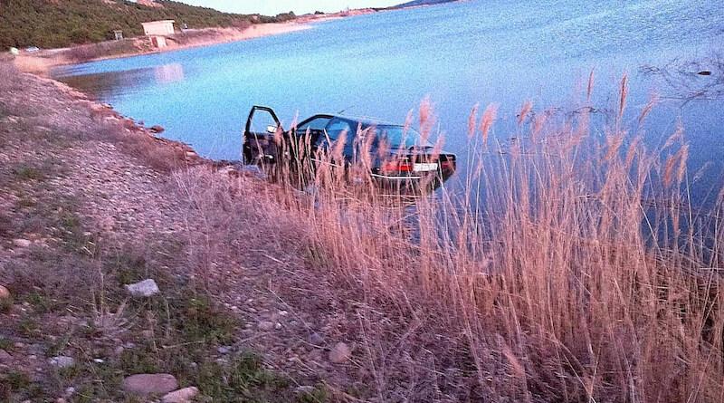coche cae al embalse de Perdiguero 2 copia