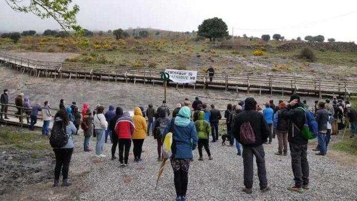 charlas contra el parque eólico Los Cruzados copia