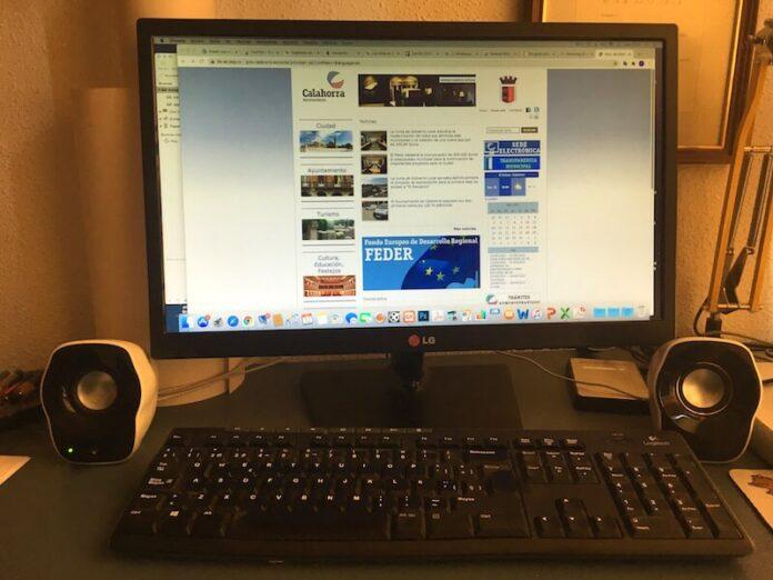 web municiapl en ordenador copia