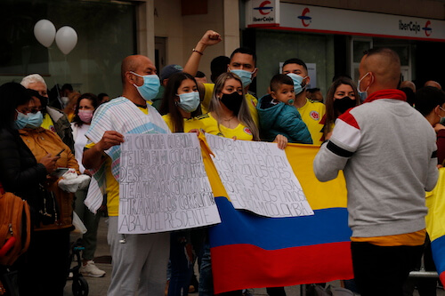 Colombia protesta en el Mercadal