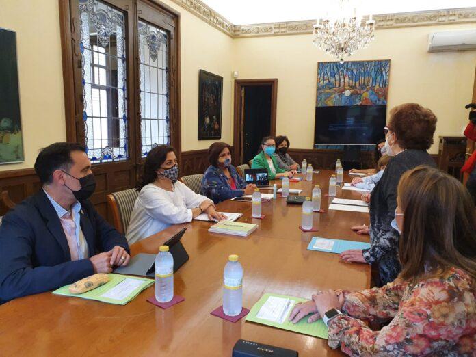 Reunión de la Fundación Escultor Daniel con Concha Andreu