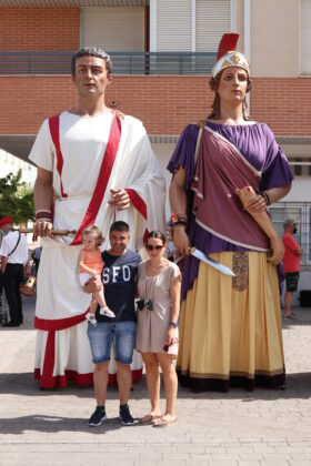 bailes gigantes Bimilenaria Cultural 14